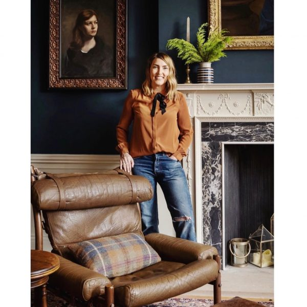 Interior designer Lisa Guest and a vintage 'Inca' chair for an amazing Georgian house project in Edinburgh. (www.interiorsbylisaguest.com. Photo by www.zacandzac.co.uk)