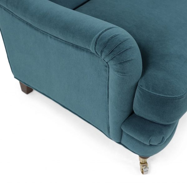 ArmstöArmrest on a curved Julia sofa by Norell Furniture