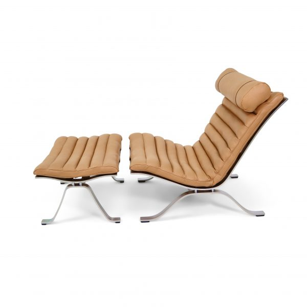 The original Ari chair handmade in Sweden by Norell Furniture. Leather: 'Caramel' Elmobaltique. Design: Arne Norell 1966.