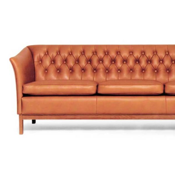 Diplomat leather sofa by Norell Furniture in Sweden