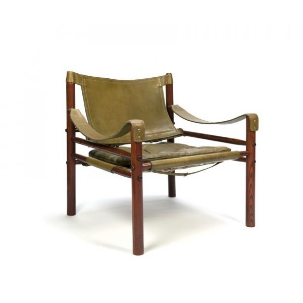 Vintage Sirocco safari chair by Norell Furniture Sweden in olive green leather. Design Arne Norell